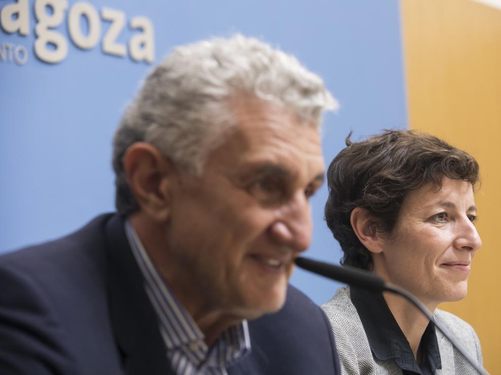 Fernando Romay durante el acto de presentación de este martes en el Ayuntamiento de Zaragoza.