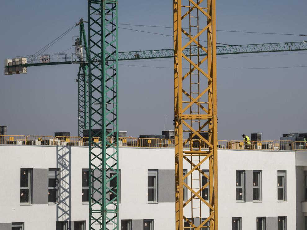 Construcción de viviendas en Zaragoza.