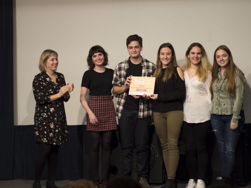 Los alumnos de Periodismo de la Universidad de Zaragoza autores de 'Martes 13'.