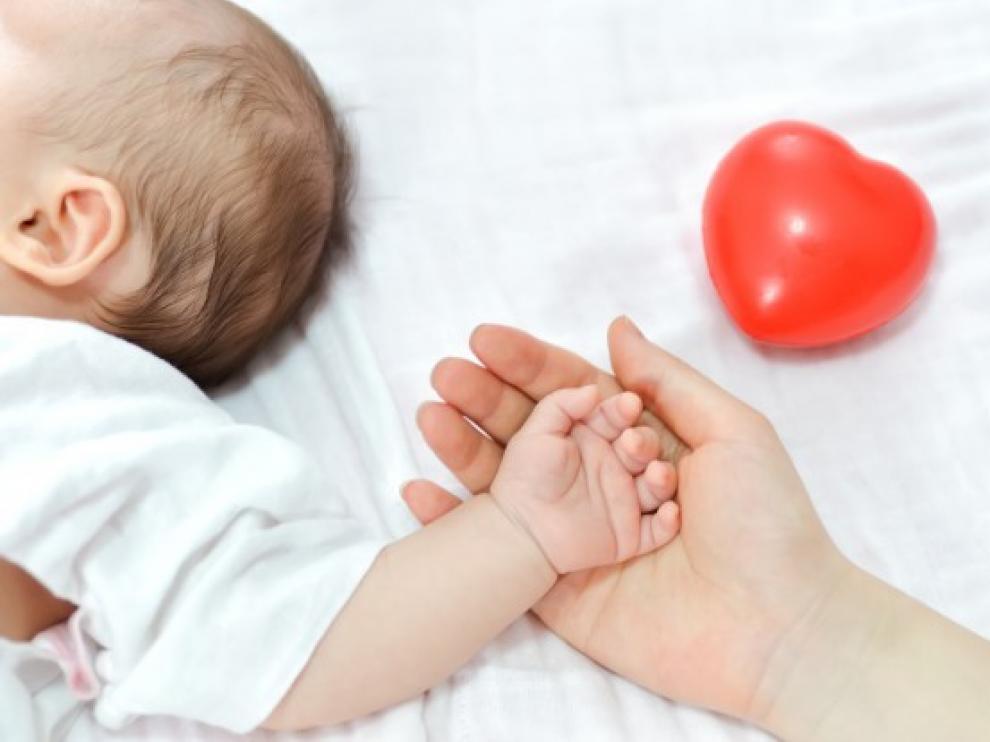 Los bebés cuya gestación subrogada ya ha comenzado solo podrán abandonar el país obtenido el pasaporte ucraniano.