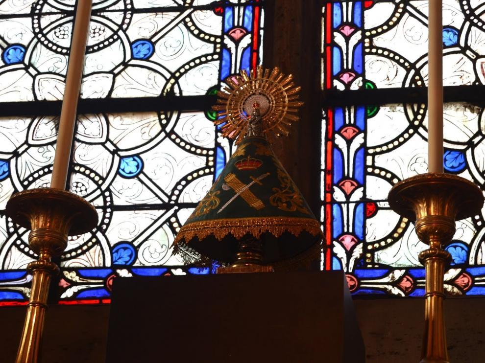 La Virgen del Pilar en la catedral de Notre Dame