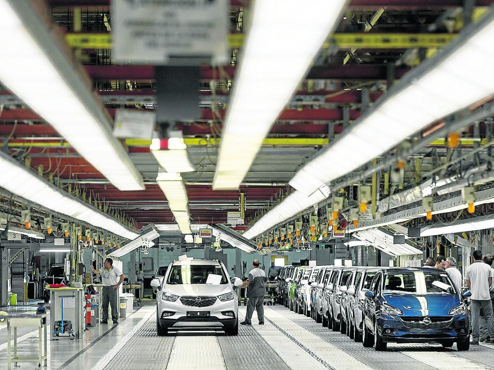 Imagen de 2016 del lanzamiento del Mokka X en la planta de Opel Figueruelas.