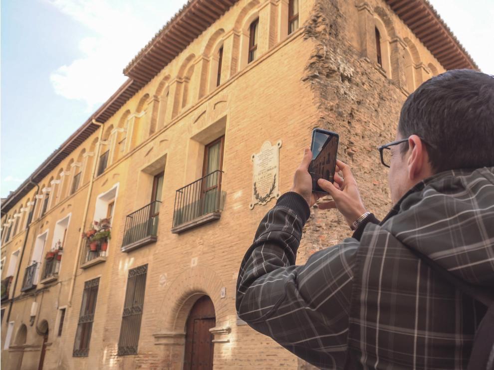 La cita es el sábado 23 a las 11.00, con tu móvil o cámara digital, en la c/ Doctor Palomar esquina c/ Pozo para contribuir a esta reconstrucción histórica digital.