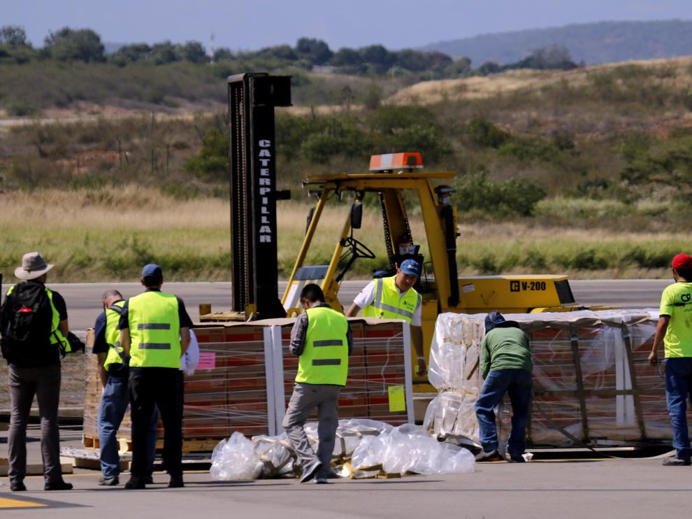 Ayuda humanitaria almacenada en el aeropuerto de Cúcuta (Colombia) a la espera autorizar su entrada en Venezuela.