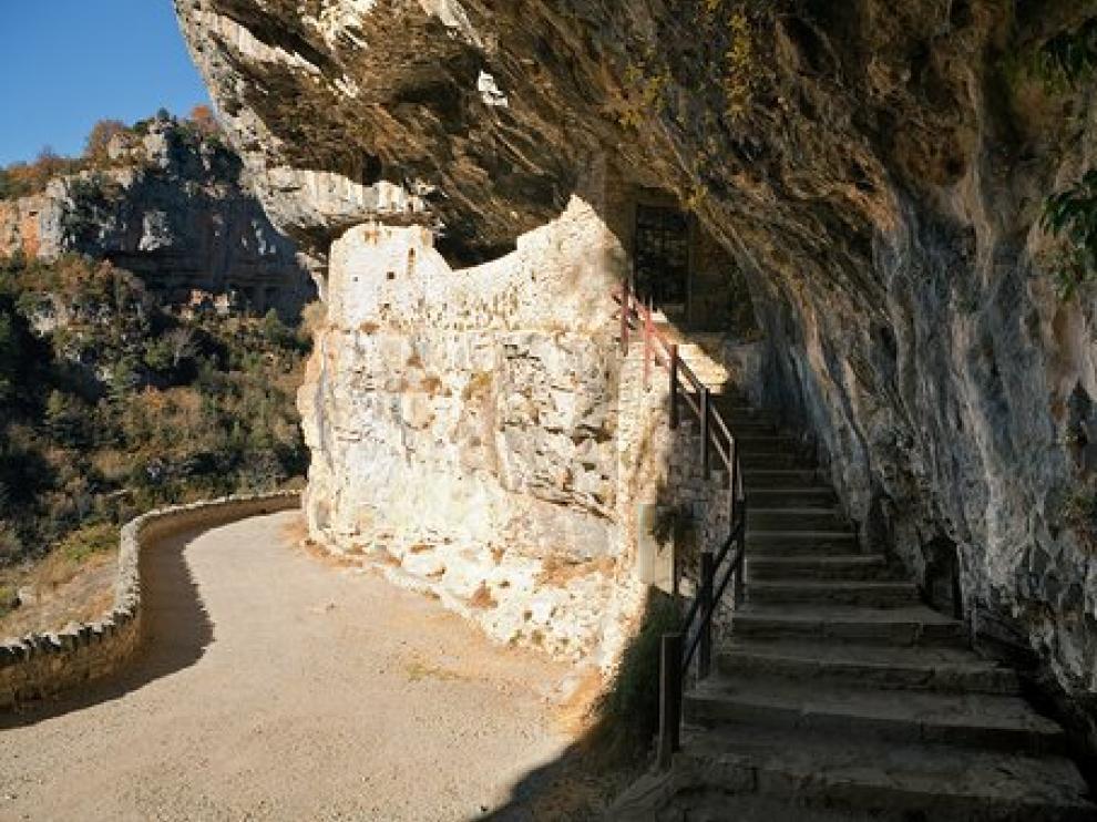 La ruta enlazaría esta ermita de San Úrbez, en Añisclo, con la iglesia de San Pedro el Viejo de Huesca