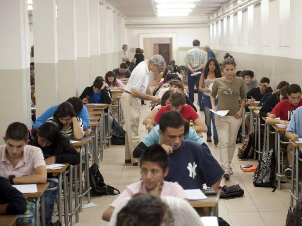 Imagen de archivo de un examen en el IES Goya de Zaragoza.