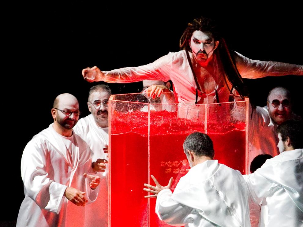 Una de las escenas del espectáculo, que combina música en vivo, interpretación vocal y danza.