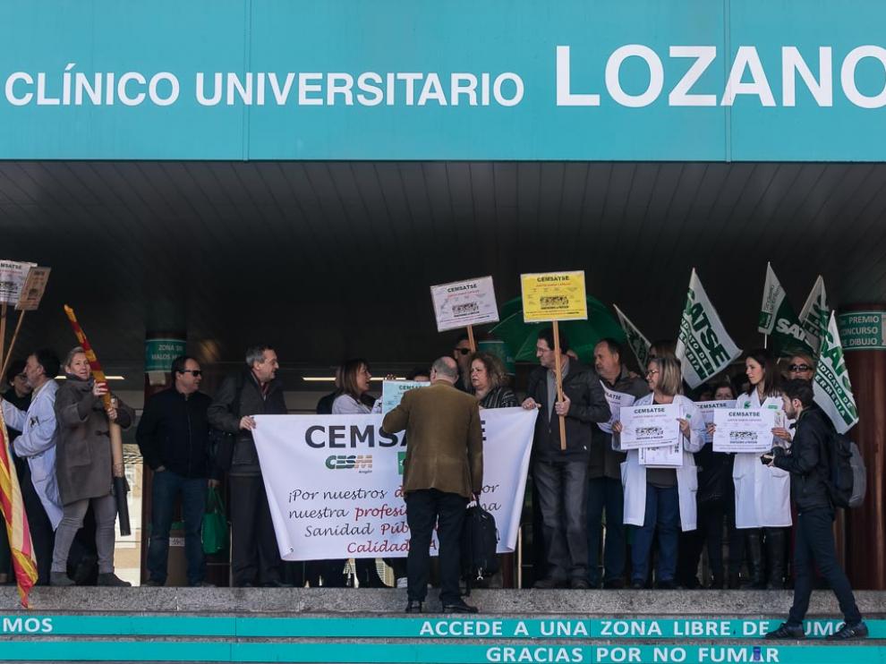 Imagen de los paros de 10 minutos en el hospital Clínico de Zaragoza.