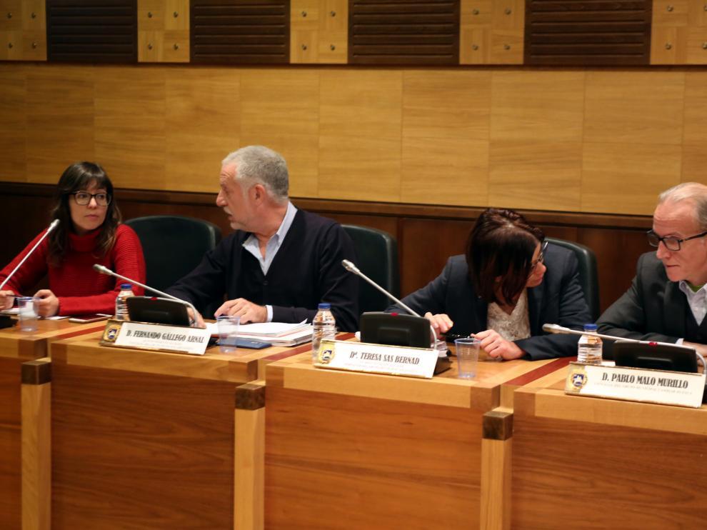 El presidente de la comisión de investigación en la primera sesión