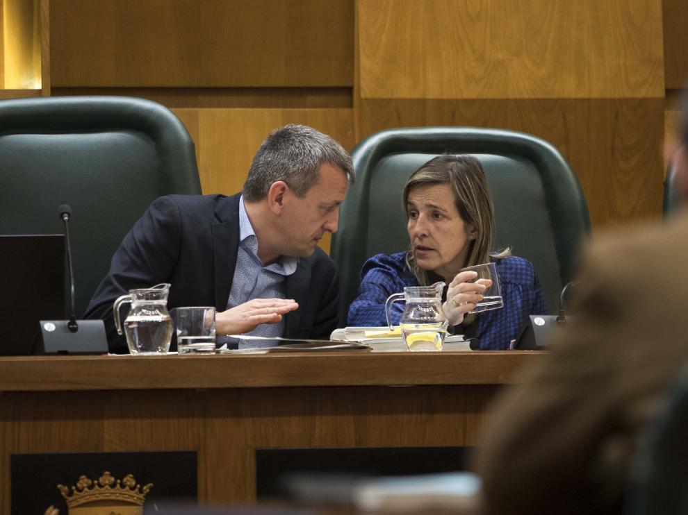 El concejal de Economía, Fernando Rivarés, en la comisión de presupuestos de este jueves