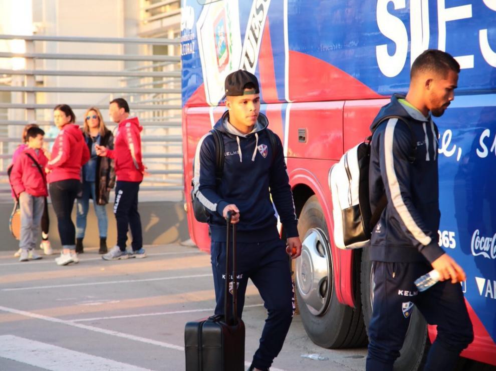 Cucho Hernández, antes de subir al autobús y poner rumbo a Barcelona.