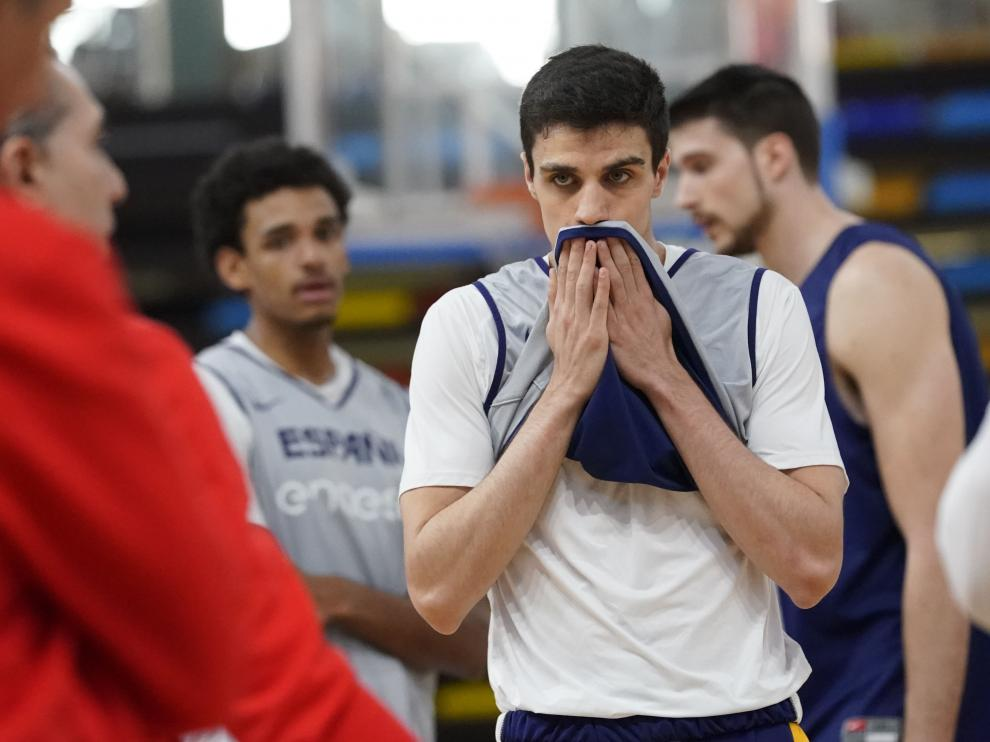 Carlos Alocén, en un entrenamiento de esta semana con la selección absoluta de baloncesto.