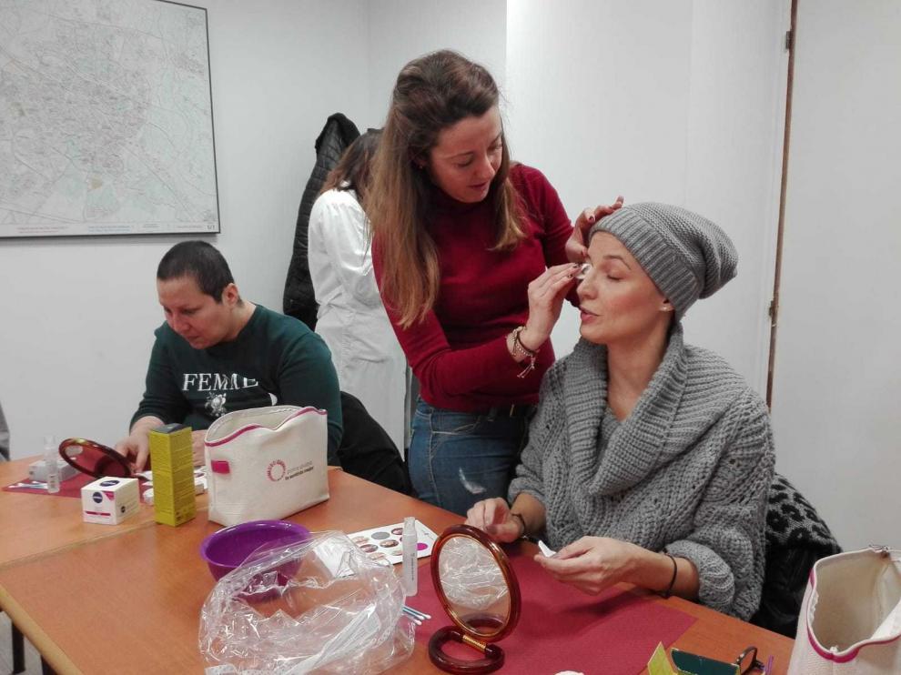 Programa 'Ponte guapa, te sentirás mejor': Maquillaje para pacientes oncológicos