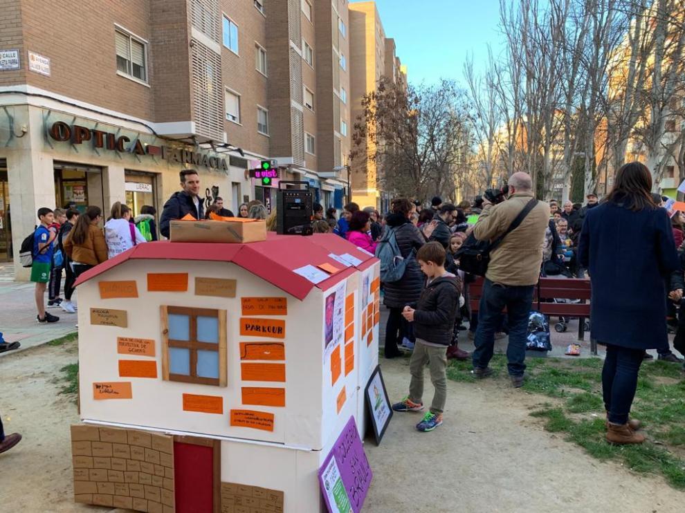 Acto reivindicativo de los vecinos del Picarral para demandar una centro de infancia y juventud.