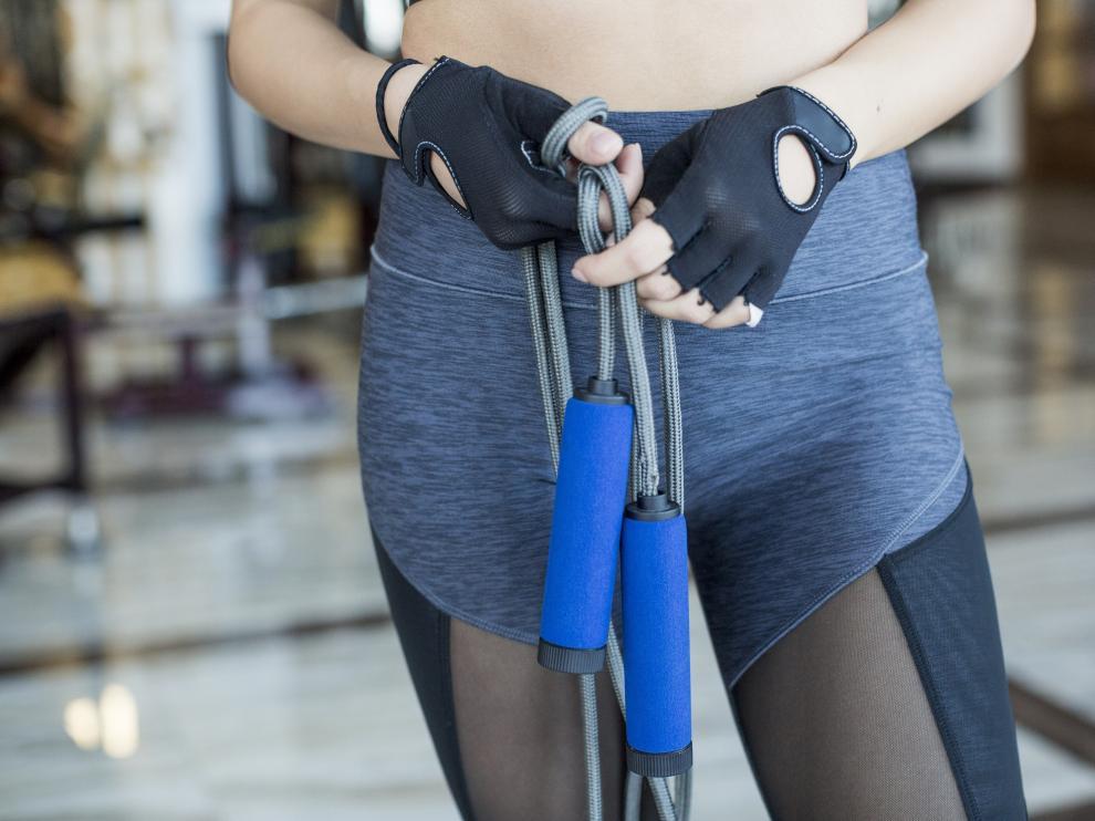 Con este ejercicio se tonifica el cuerpo y se queman calorías.