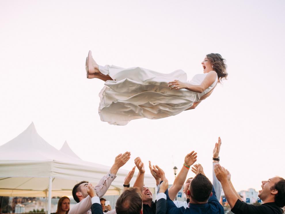 Celebraciones que se alargan durante días en paraísos recónditos, la actuación de cantantes mundialmente conocidos y más de 1.000 invitados. Así son las bodas de los famosos.