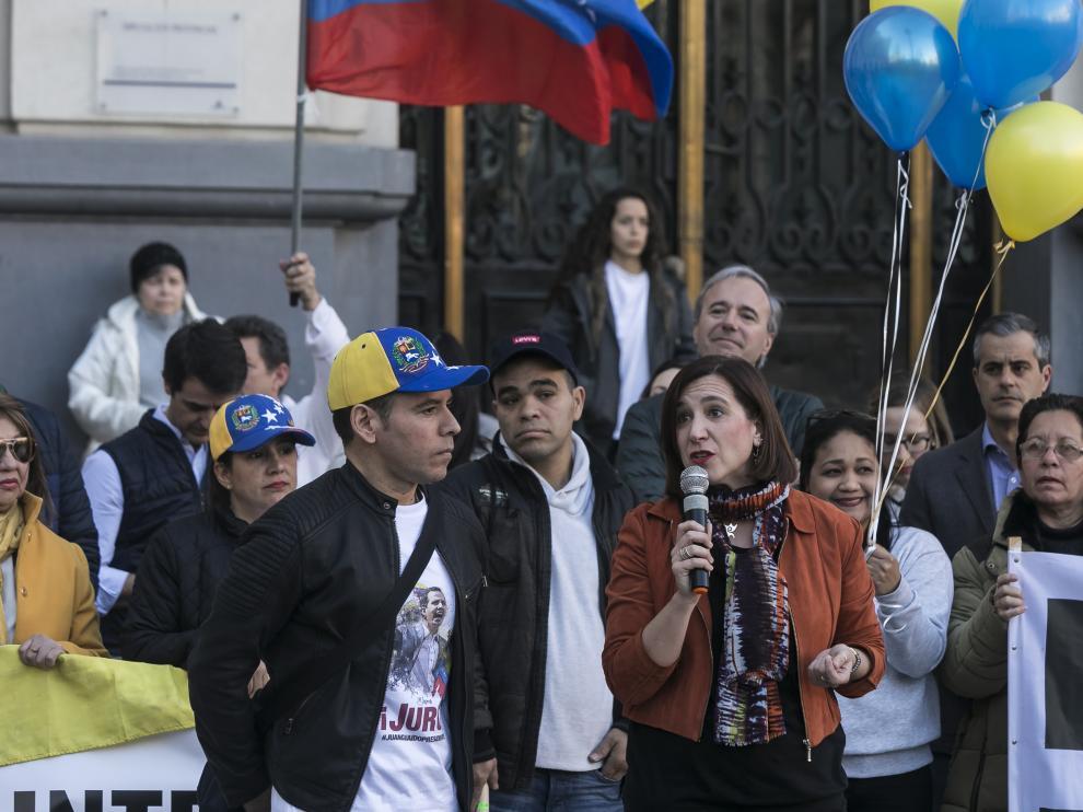 Concentración en Zaragoza en apoyo a Guaidó