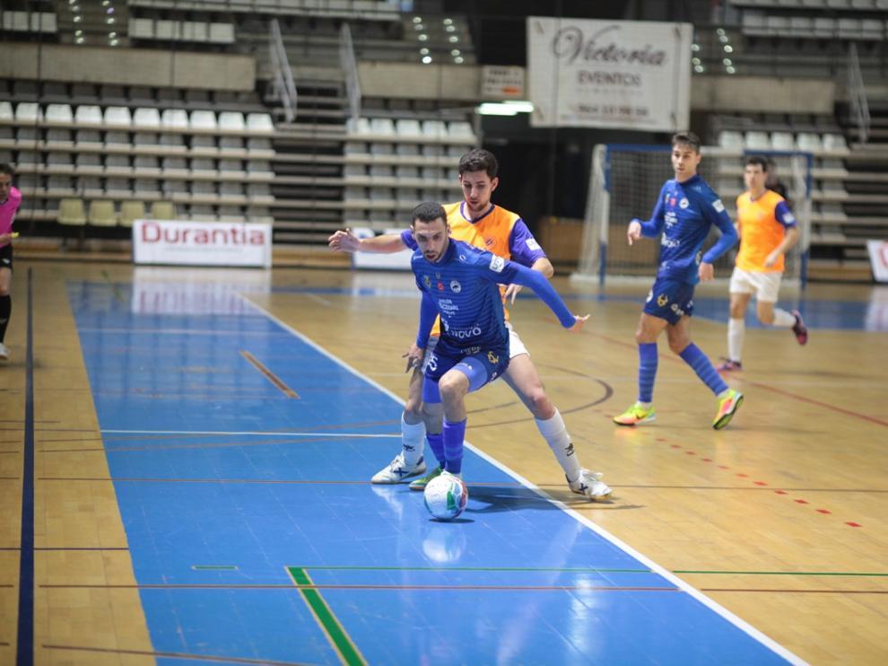 Un jugador del Colo Colo en un lance del partido en Castellón.