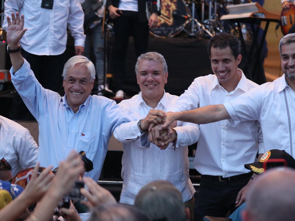 Guaidó, segundo por la derecha, con los líderes de Chile, Colombia y Paraguay.