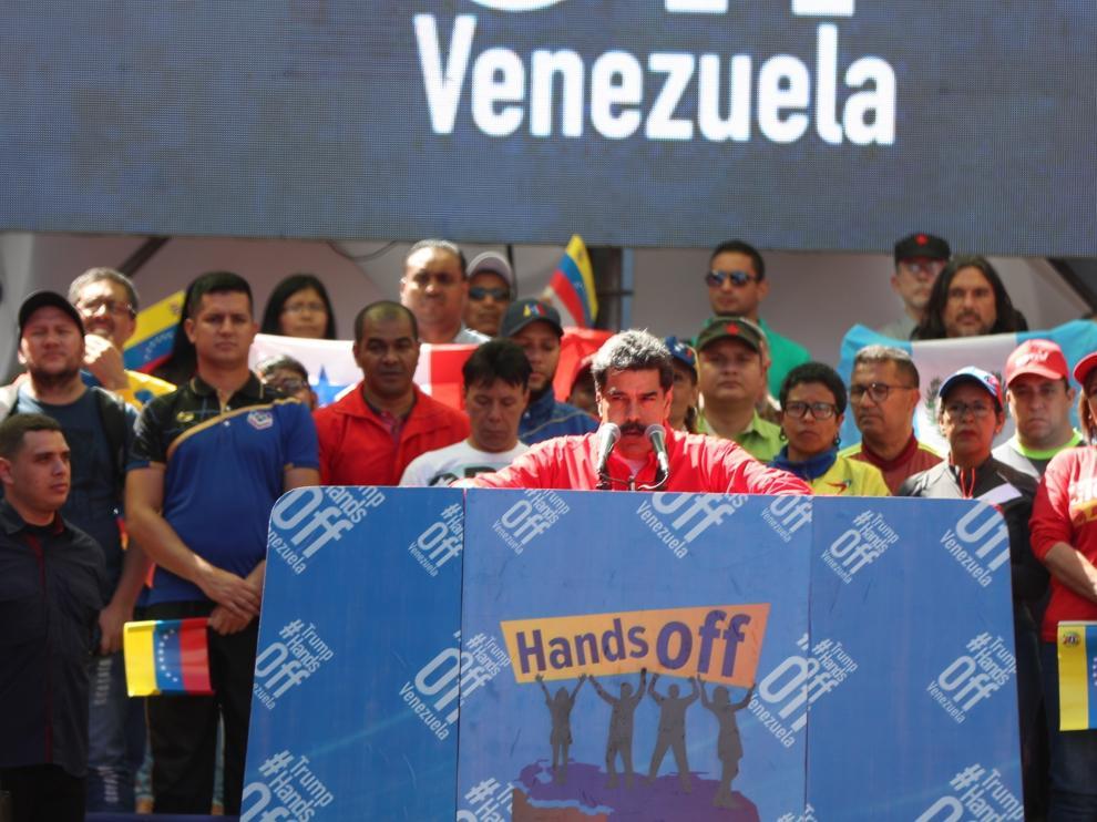 El presidente de Venezuela, Nicolás Maduro, este sábado ante simpatizantes en Caracas.
