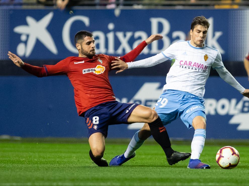 Momento del encuentro entre Osasuna y Real Zaragoza.