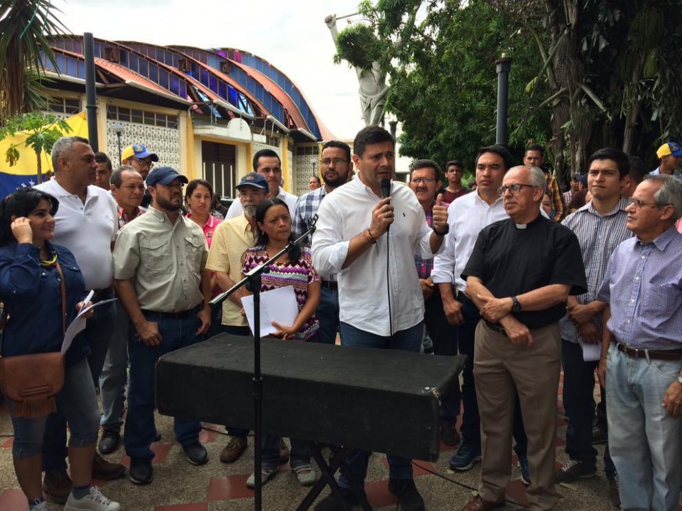 El diputado venezolano envenenado,  Freddy Superlano.