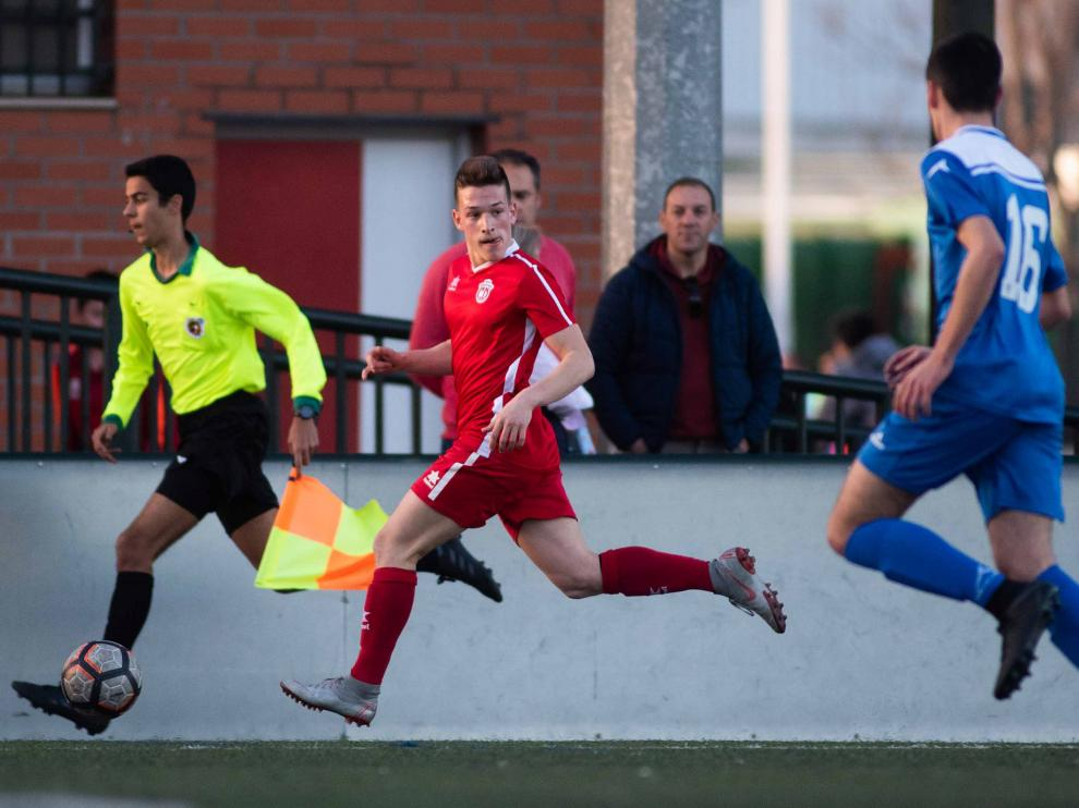 Fútbol. LN Juvenil- San Gregorio vs Helios.