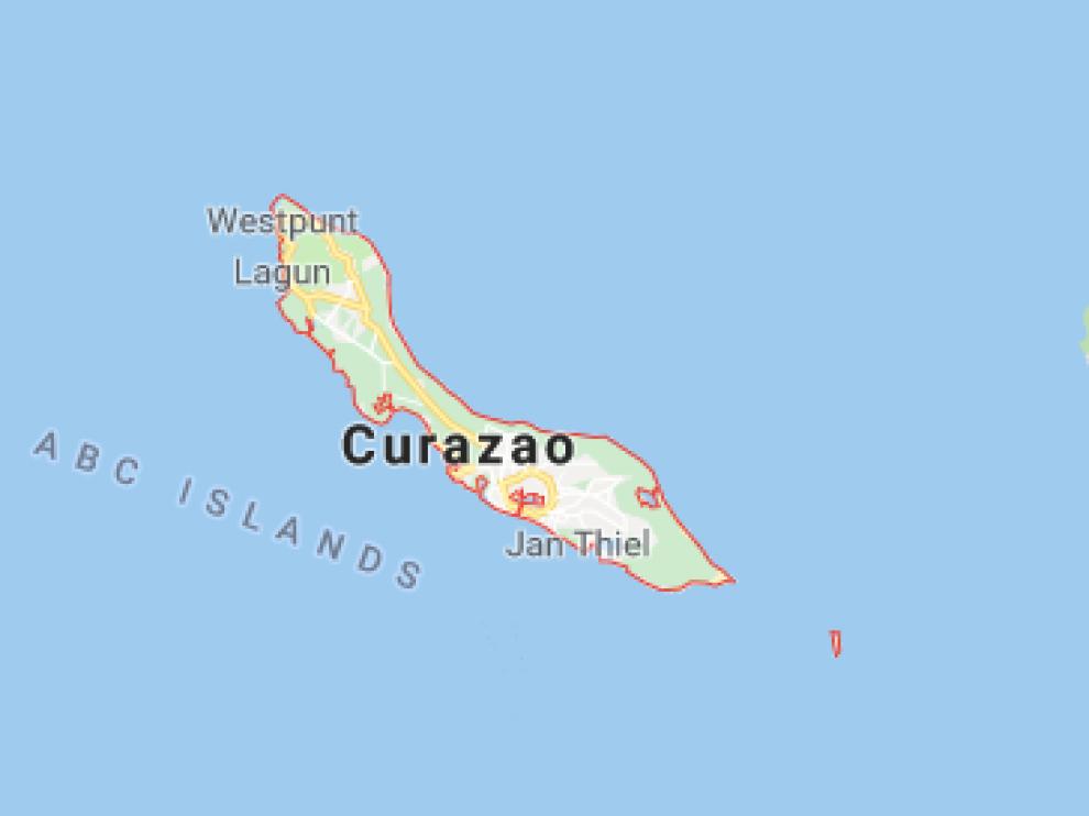 La ayuda fue llevada a un centro de acopio en la isla de Curazao debido al bloqueo del gobierno de Nicolás Maduro.