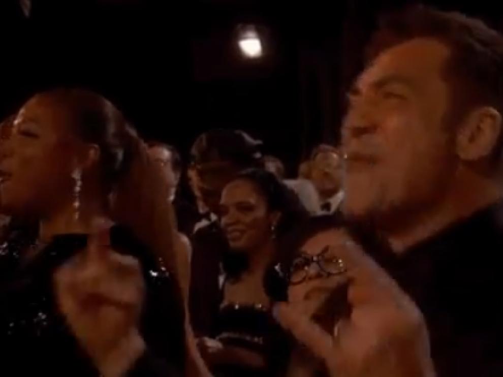 Javier Bardem bailando 'We Will Rock You'