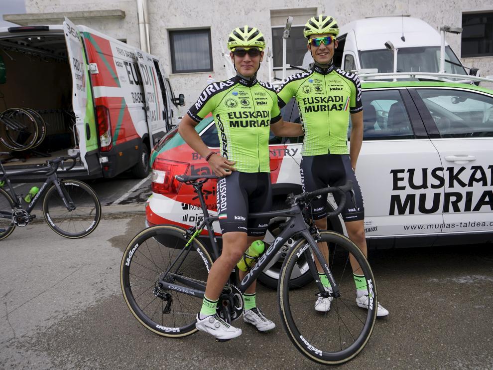 Fernando Barceló y Sergio Samitier, en la salida de la última Vuelta a Aragón.