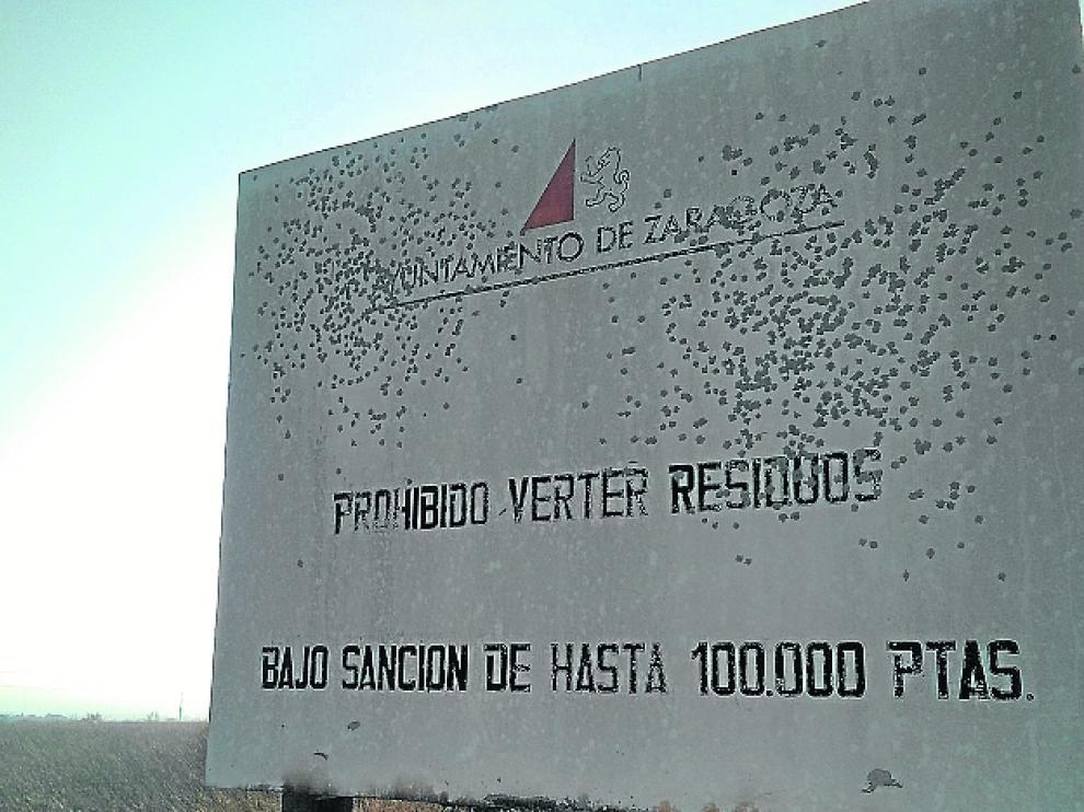 La señal que anuncia la sanción, en Malpica.
