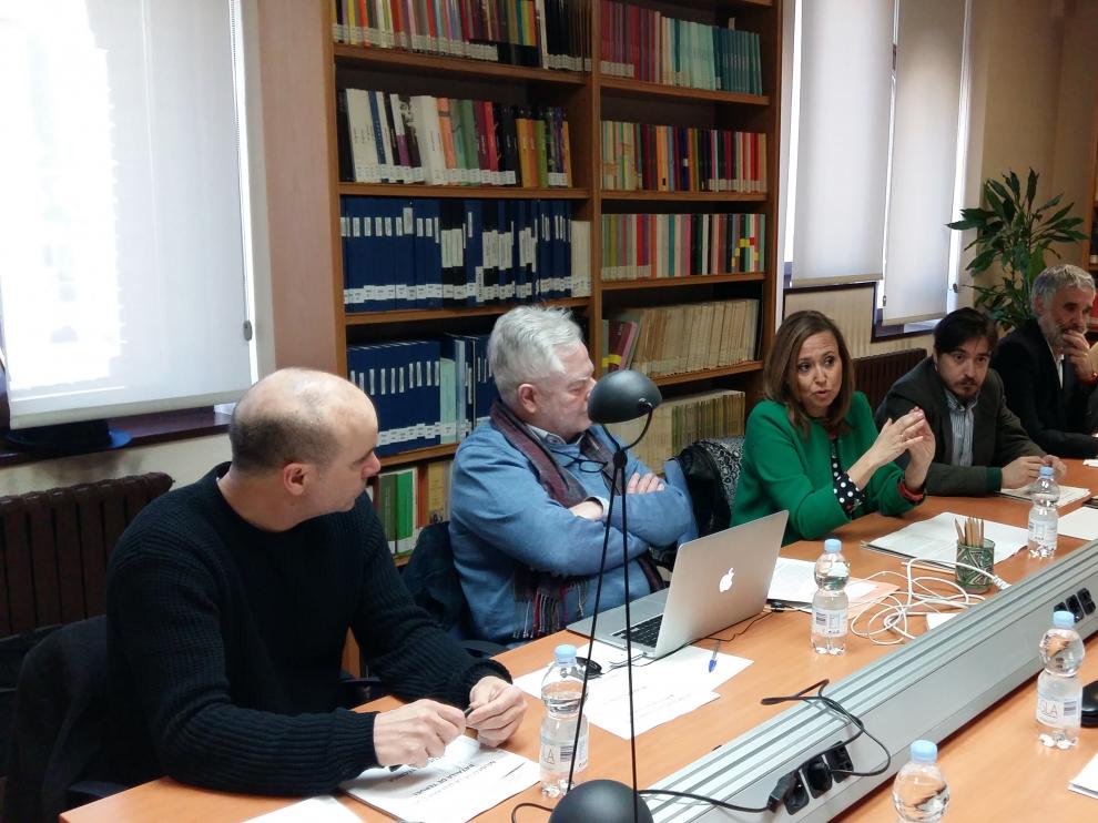Primera reunión del grupo de expertos que elegirá los contenidos del museo, celebrada en el Archivo Provincial.