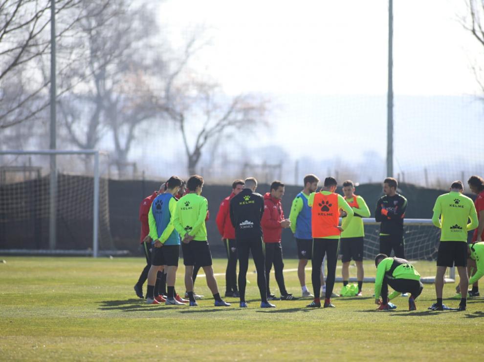 La SD Huesca se ha entrenado este martes en el IES Pirámide.