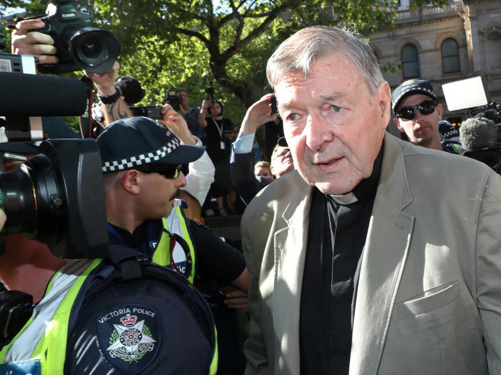 El Cardenal George Pell a su llegada al tribunal del condado en Melbourne, Australia.
