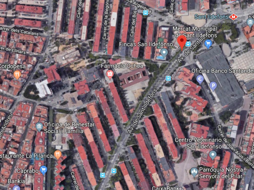 El suceso ha ocurrido en la madrugada de este miércoles, en la avenida de Sant Illdefons.