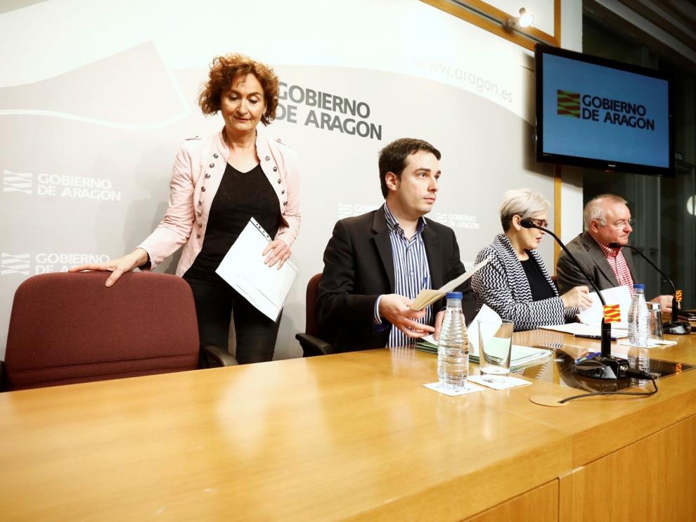 Olga Alastruey, Ricardo Almalé, Isabel Casbas y Pedro Joaquín Simón, este miércoles, en rueda de prensa.