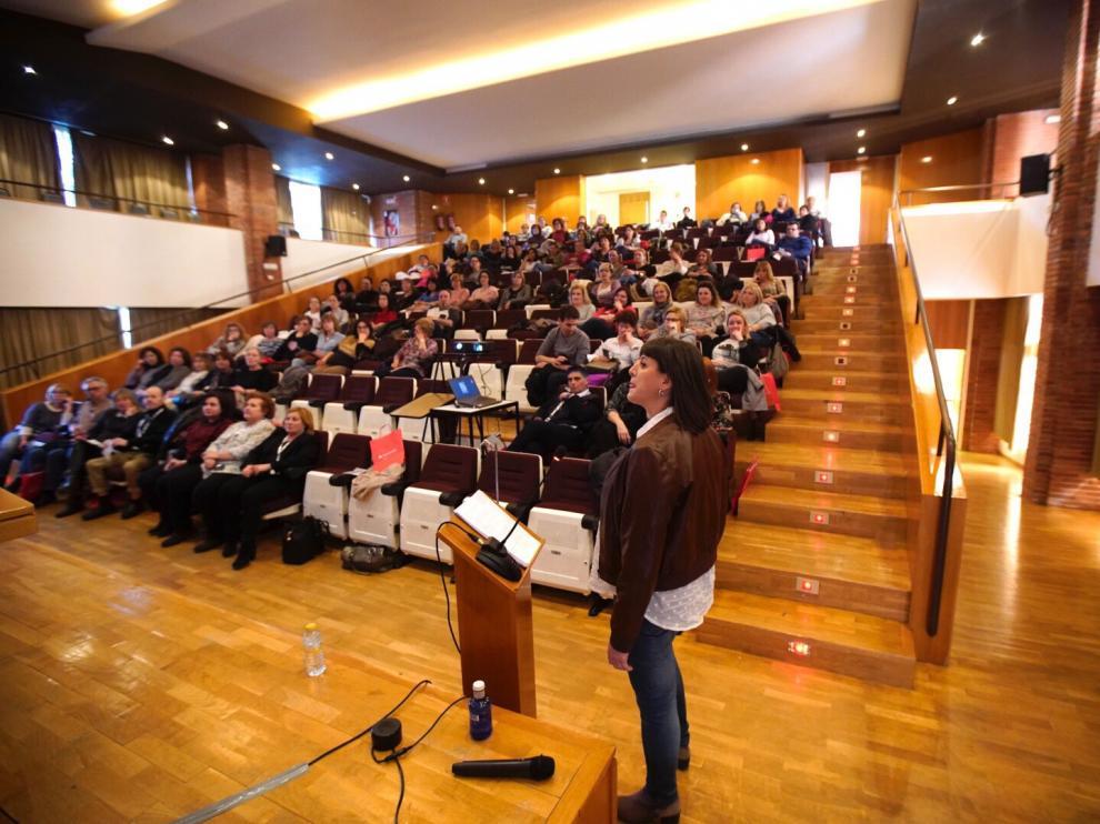 El salón de actos del hospital Obispo Polanco fue el escenario este miércoles de las jornadas sobre alimentación saludable