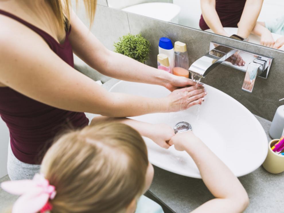 No basta con frotarla con jabón, hay que masajearla durante un tiempo determinado.