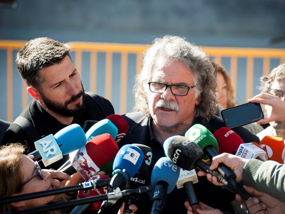 Joan Tardà atiende a los medios tras su comparecencia en el juicio del 'procés'