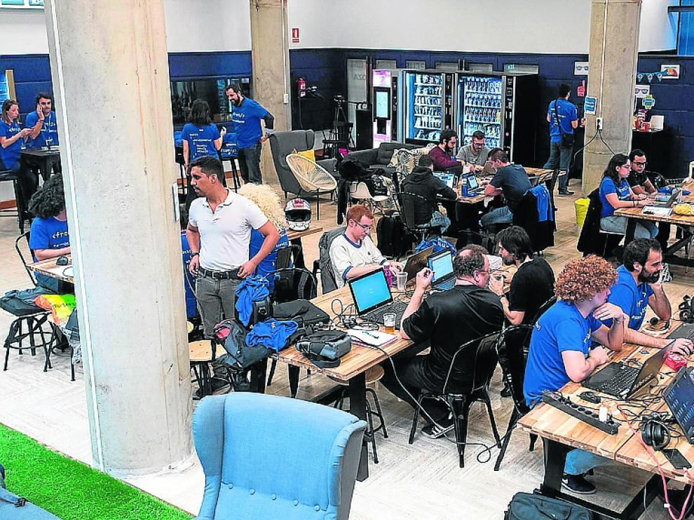 Alrededor de 70 personas participaron en el reto de Google en el 'hub' de Hiberus.