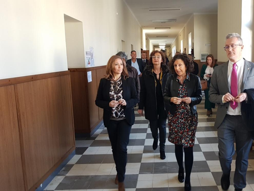 Visita de la consejera de Educación, Cultura y Deporte Mayte Pérez al IES Domingo Miral