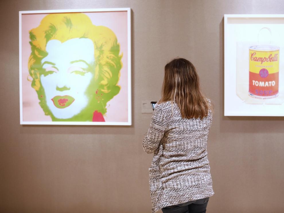 Algunas de las piezas icónicas de Andy Warhol, en la muestra.