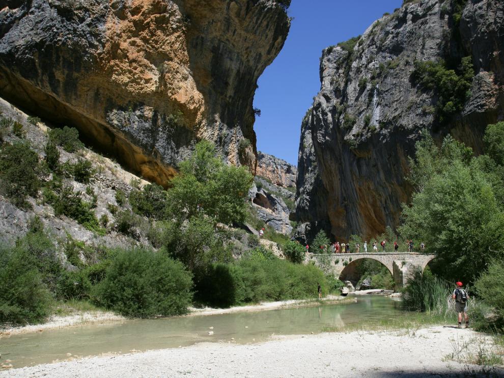 El puente de Villacantal.