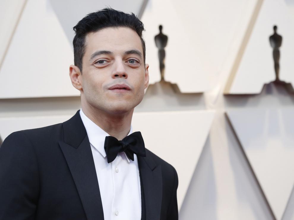 Rami Malek en su llegada a los Óscar.