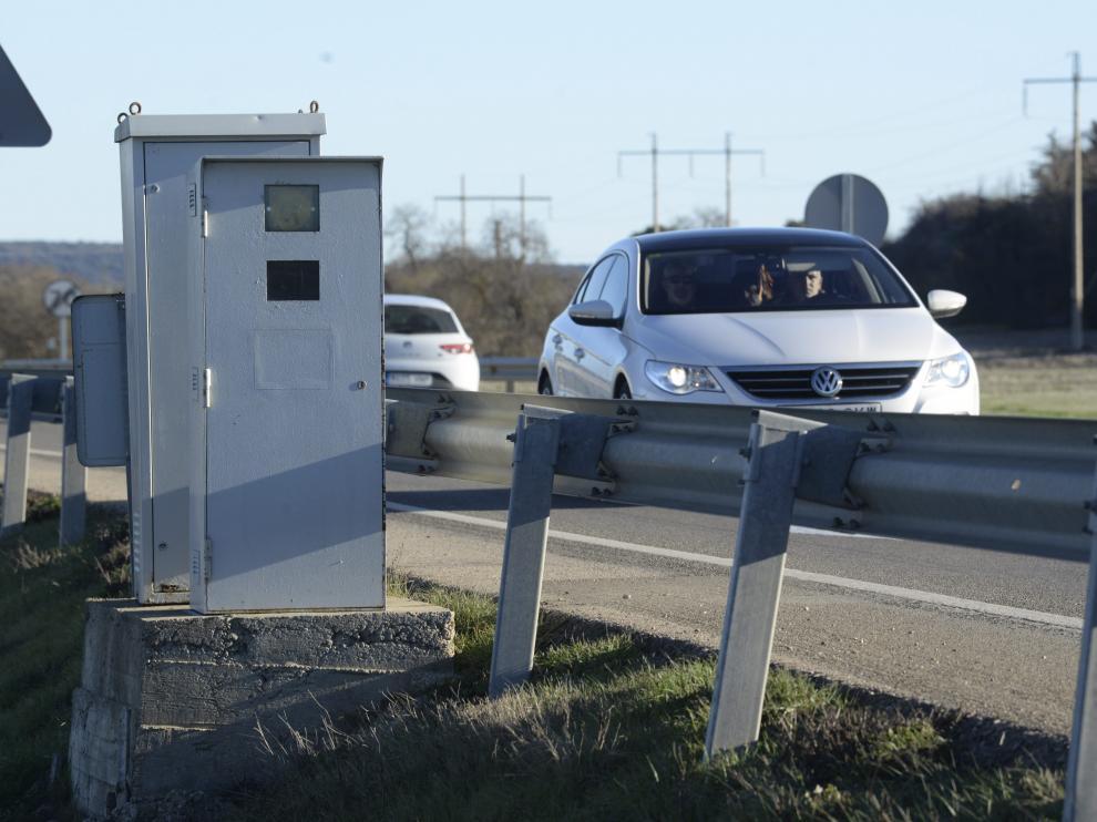 control de velocidad. radar en la n-240 en la zona de Estrecho Quinto cerca de Huesca / Foto de Javier Navarro / 16-1-16