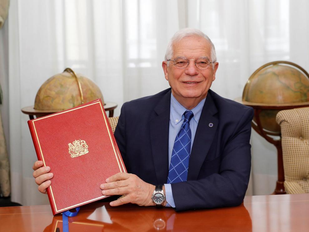 """Borrell firma """"el primer Tratado con Reino Unido sobre Gibraltar después del de Utrecht"""""""