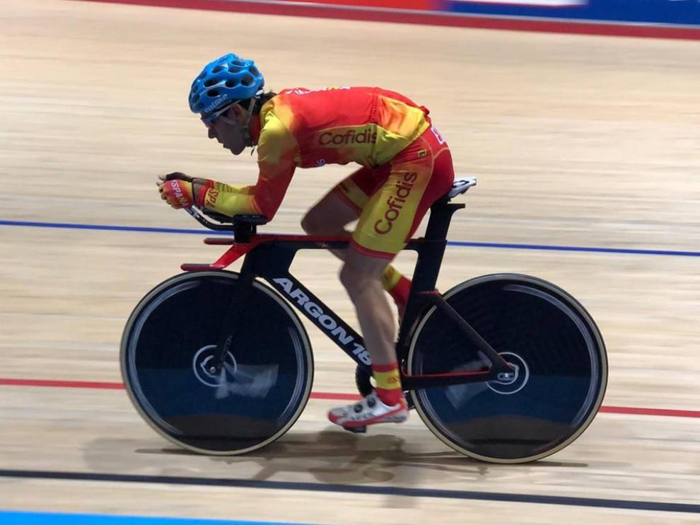 El ciclista Eduardo Santas, con los colores de la selección esta temporada.