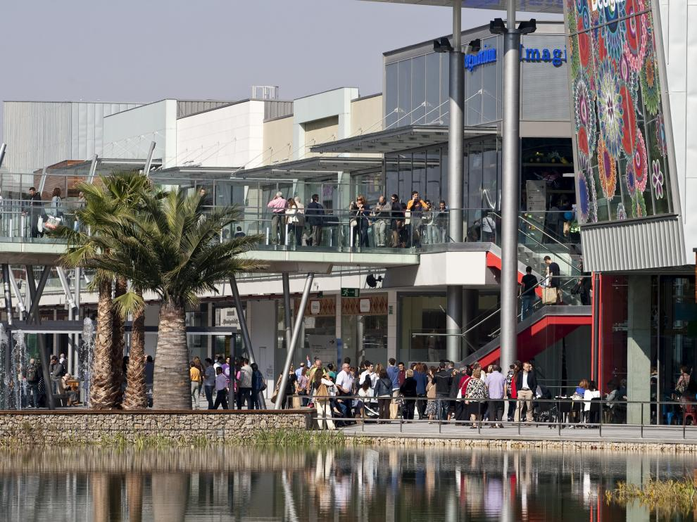 APERTURA AL PUBLICO DEL C.C. PUERTO VENECIA / 04/10/2012 / FOTO : OLIVER DUCH