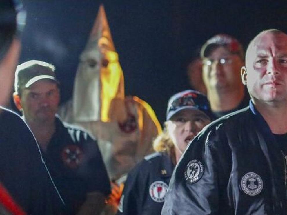 Grupo neonazi de EE.UU. se desmarca del liderazgo de un activista afroamericano