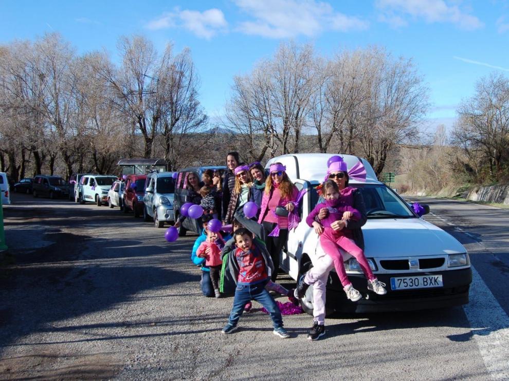 Caravana de mujeres por el 8-M en el valle de La Solana (Huesca).
